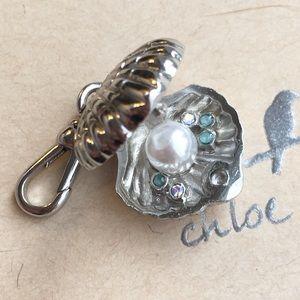 🐚 Chloe + Isabel Trésors Shell Charm